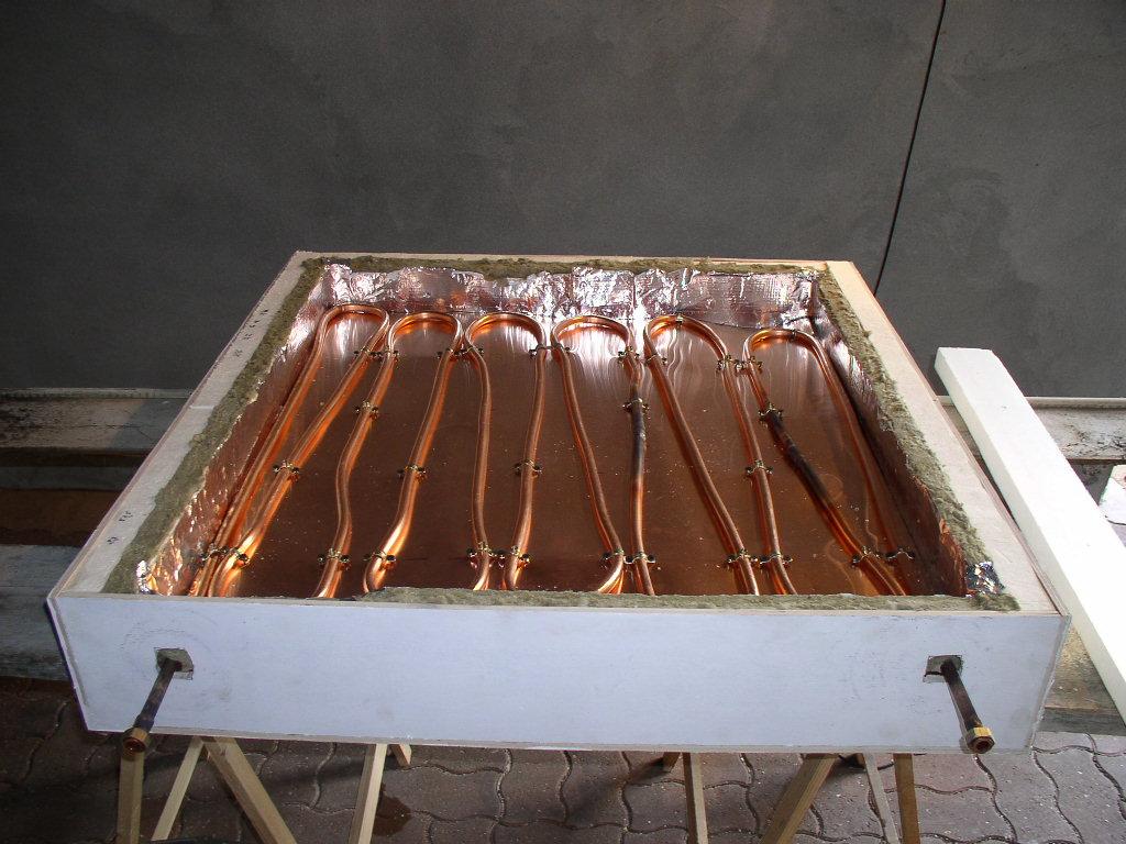 noire rsistant aux hautes tempratures afin de passer sur toutes ces parties en cuivre cela amliore labsorption solaire et la chauffe des tuyaux - Panneau Solaire Thermique Fait Maison